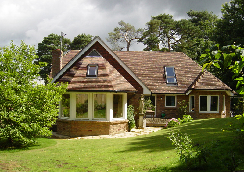 Scandia hus the chiddingstone timber frame chalet design for Timber frame bungalow