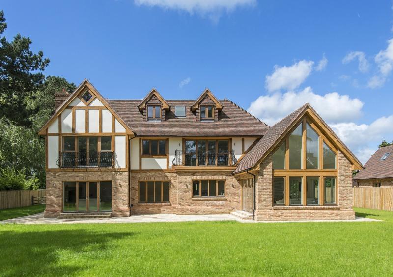 scandia hus mayfield house timber frame traditional design. Black Bedroom Furniture Sets. Home Design Ideas