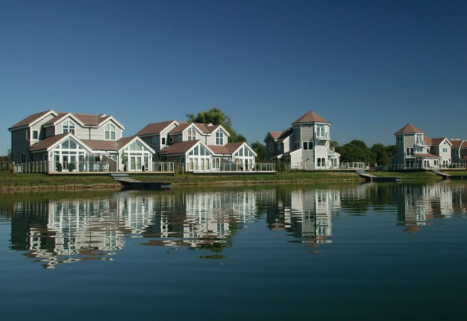 Scandia-Hus The watermark lake project